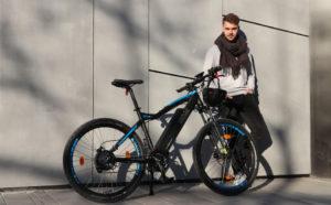 Bici elettrica cross: tuttofare veloci e confortevoli